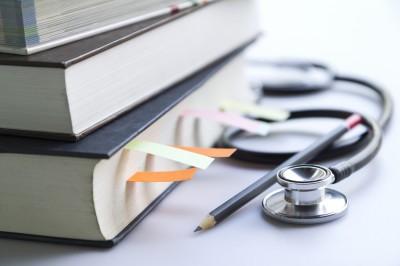 ჯანდაცვის პროგრამებზე ეროვნული გამოცდების ახალ მოდელი ამოქმედდება